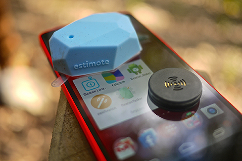 Beacon and mobile phone